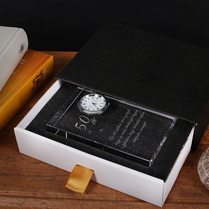 gravírozott üveg óra