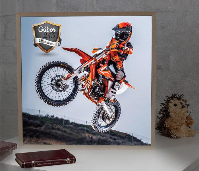Fotobox -világító doboz motorosoknak